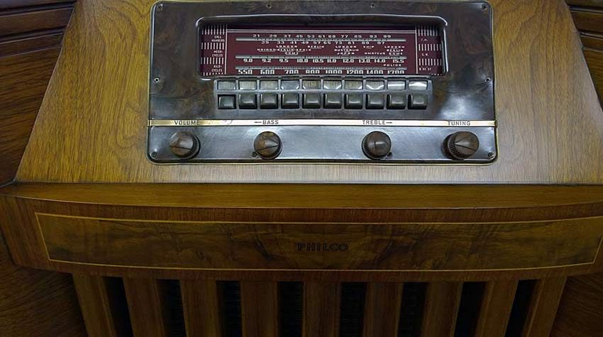 1942 Philco radio faceplate after restoration