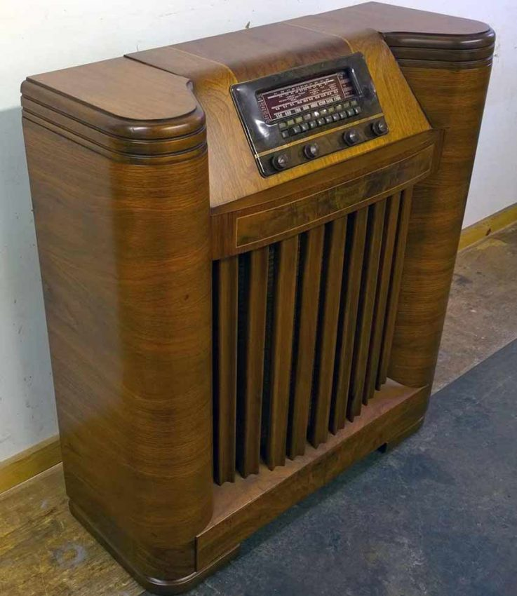 Philco radio after restoration