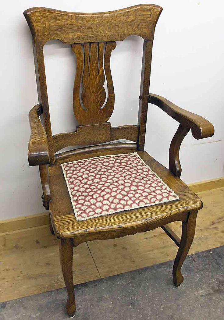 Oak chair after re-gluing
